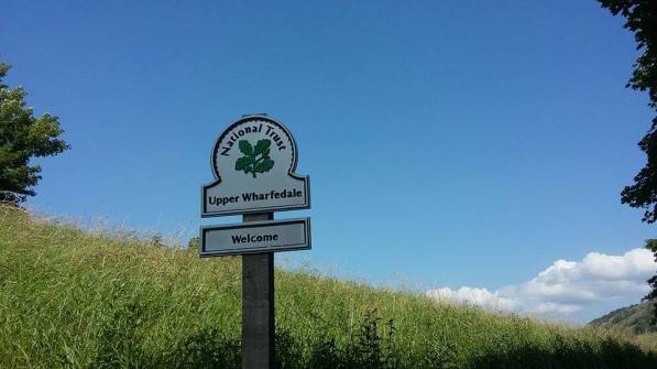Upper Wharfedale Signpost